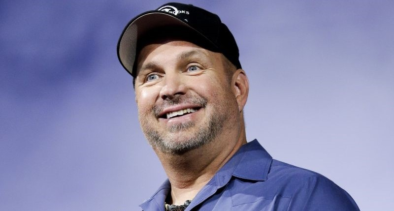 Garth Brooks plastic surgery