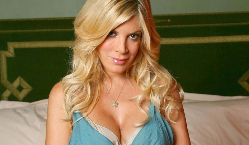 Tori Spelling Bad Breast And Great Nose Job Plastic Surgery
