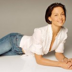 Ashley Judd before Plastic Surgery (31)