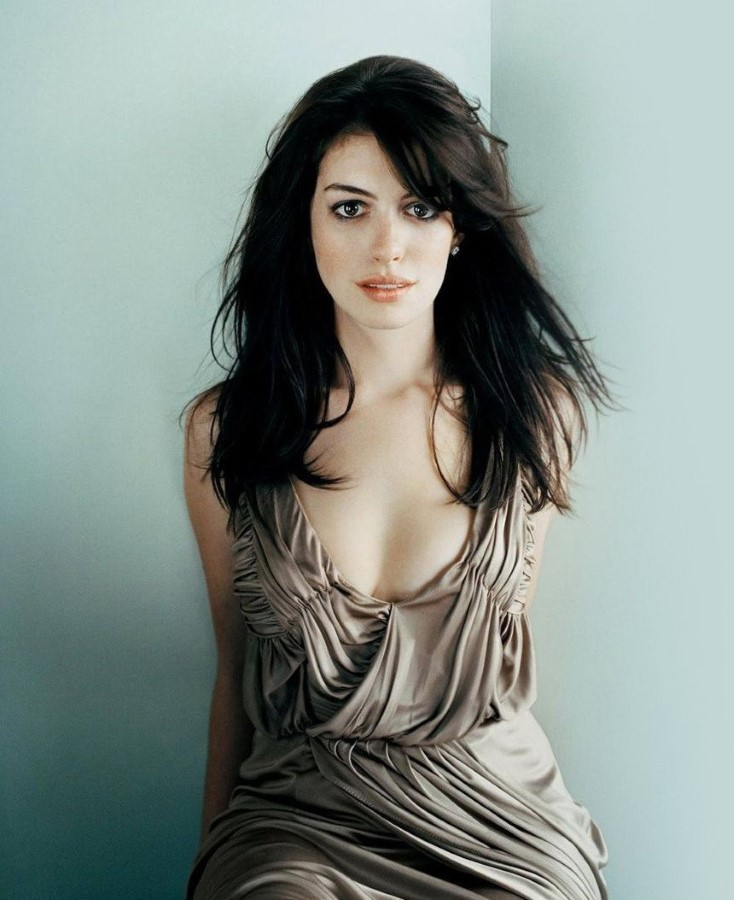 How Anne Hathaway Threw A Fit When She Discovered That: Anne Hathaway Plastic Surgery 15