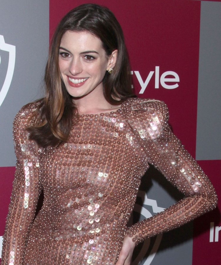 How Anne Hathaway Threw A Fit When She Discovered That: Anne Hathaway Plastic Surgery 21