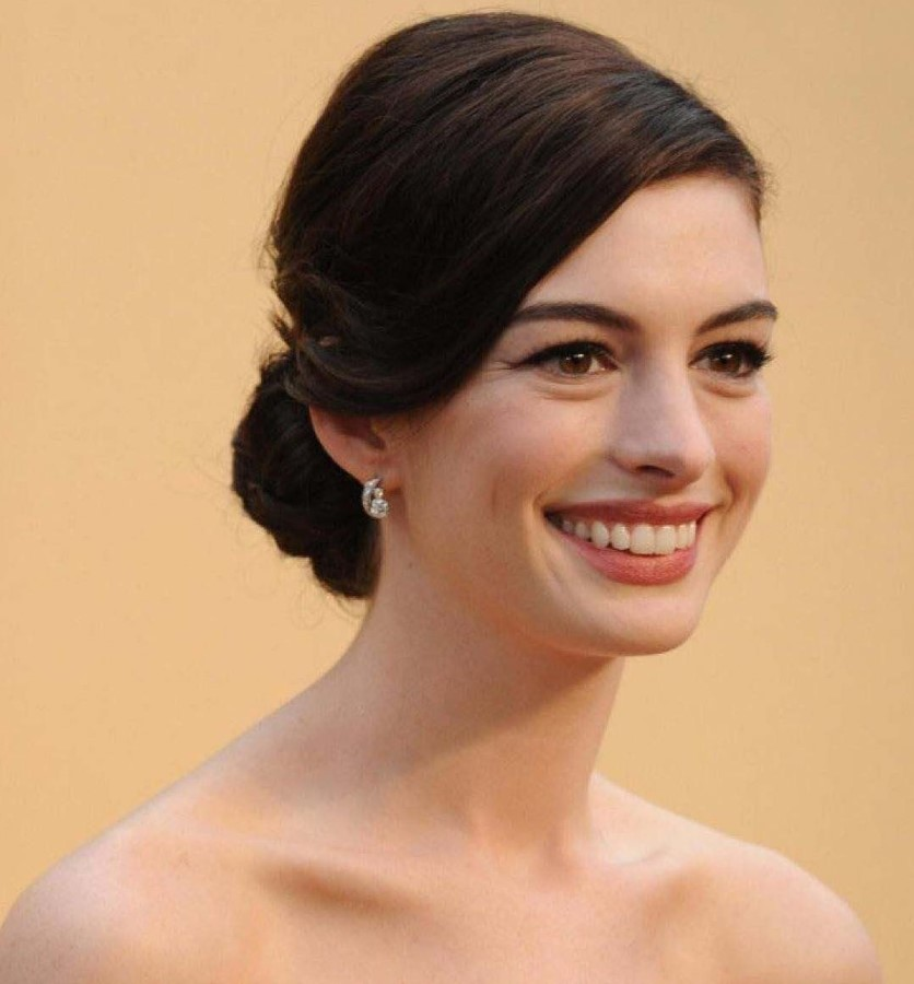 How Anne Hathaway Threw A Fit When She Discovered That: Anne Hathaway Plastic Surgery 25