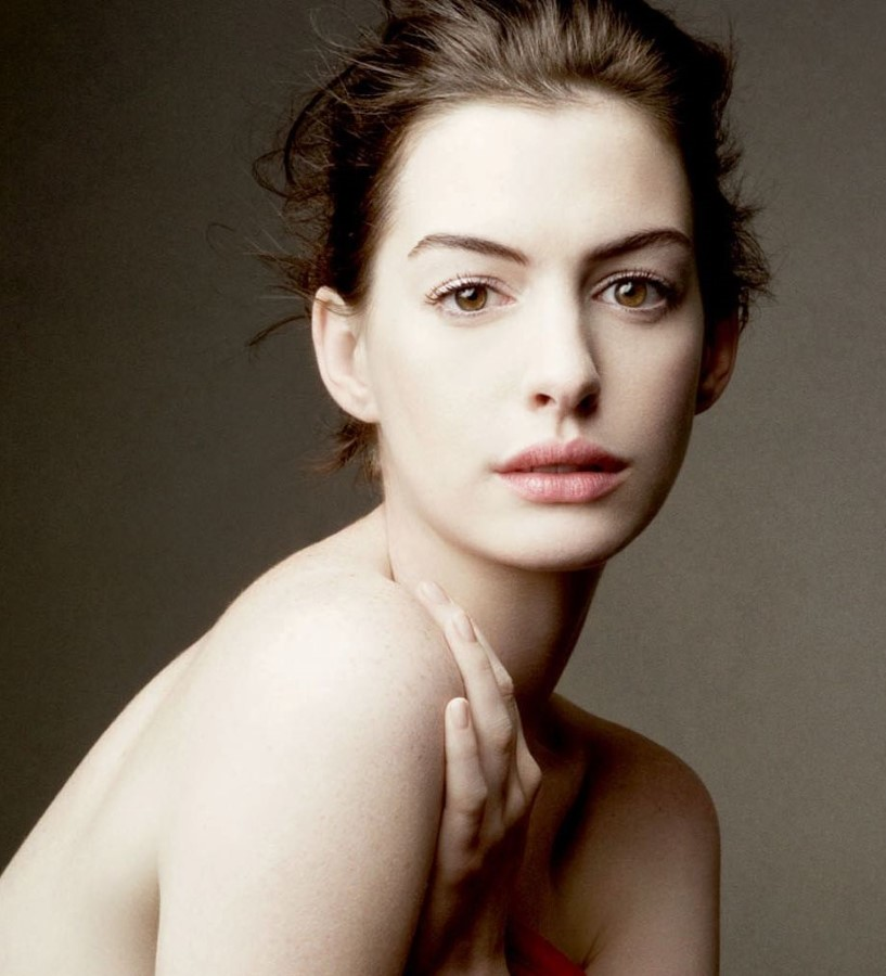 How Anne Hathaway Threw A Fit When She Discovered That: Anne Hathaway Plastic Surgery 38