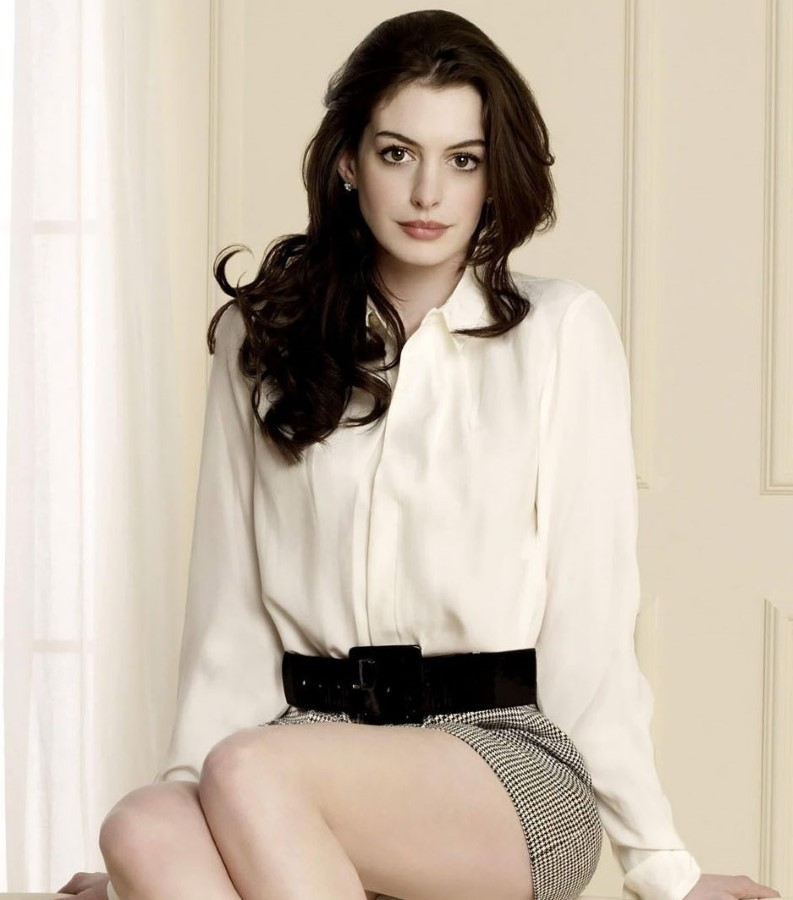 How Anne Hathaway Threw A Fit When She Discovered That: Anne Hathaway Plastic Surgery 46