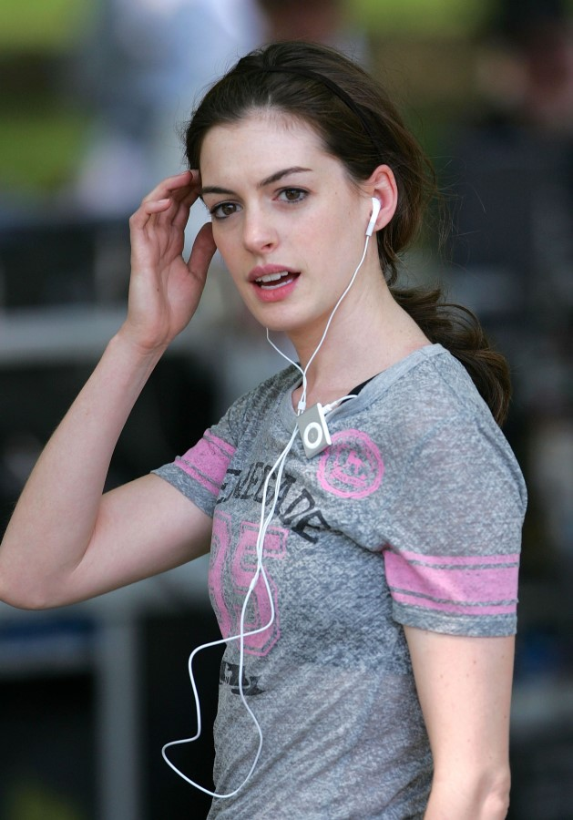 anne hathaway teen picture