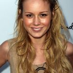 Brie Larson before plastic surgery (9)