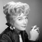 young Shirley MacLaine plastic surgery (31)