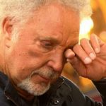 Tom Jones plastic surgery (4)