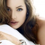 Angelina Jolie Plastic surgery 12