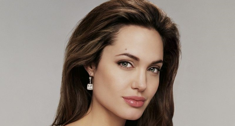 Angelina Jolie Plastic surgery