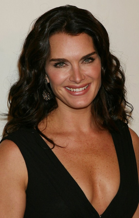 Brooke Shields plastic surgery