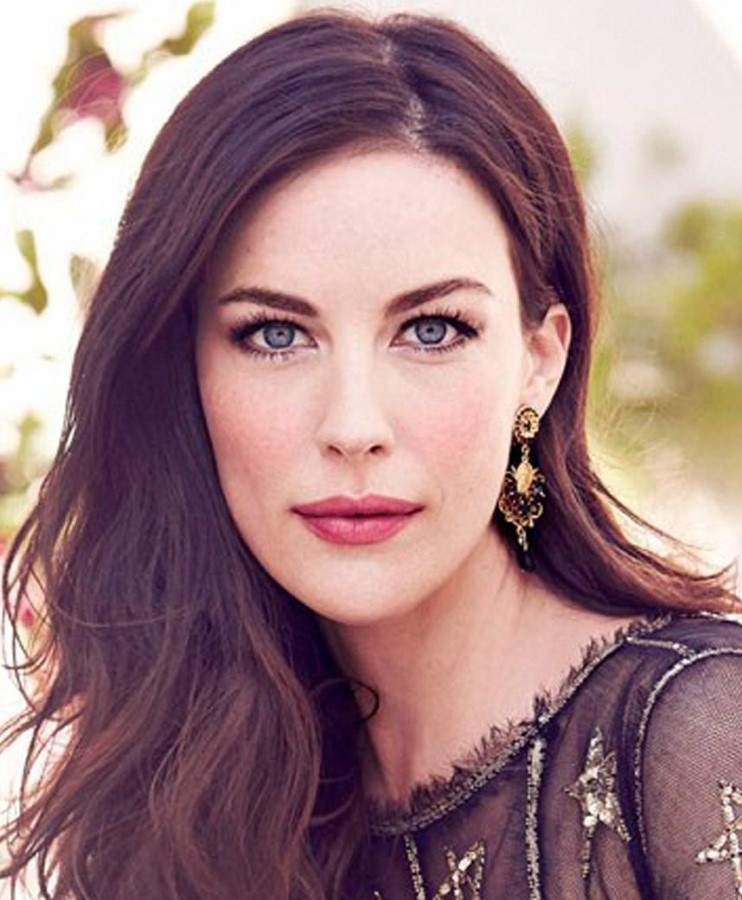 Liv Tyler- Is she really using plastic surgery? Liv Tyler